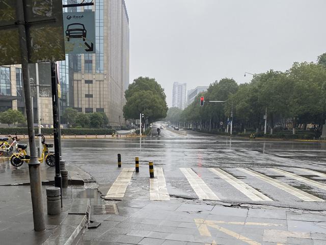 現在の武漢市の写真(道路)
